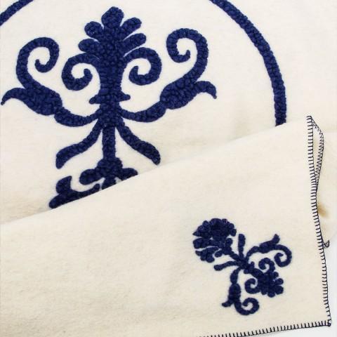Anichini Hospitality La Magnifica Washable Wool Throws