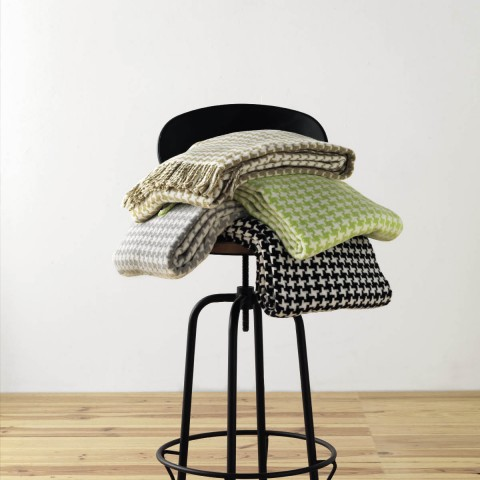 Anichini Hospitality Pearls Washable Cotton Blend Throws